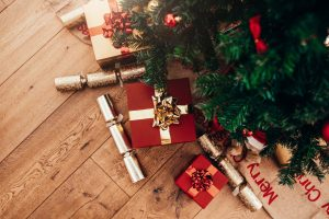 Gift Cards for the Holidays: What Women (and Men) Want